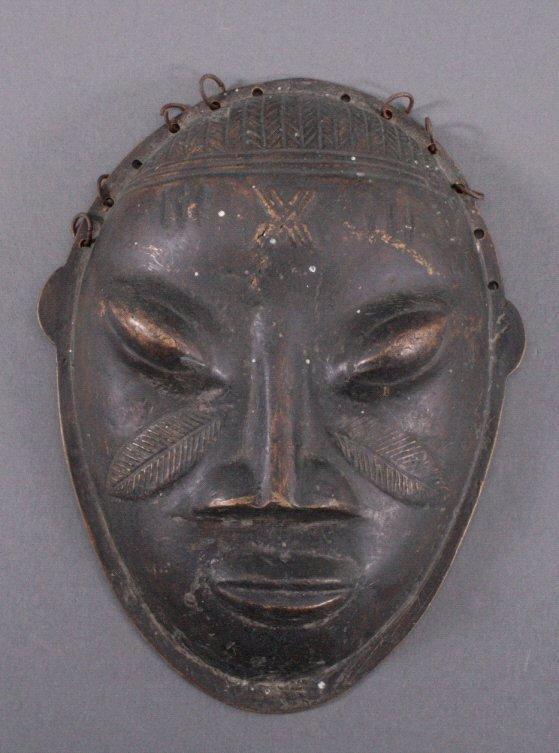 Bronzemaske der Baule, Westafrika 1. Hälfte 20. Jahrhundert