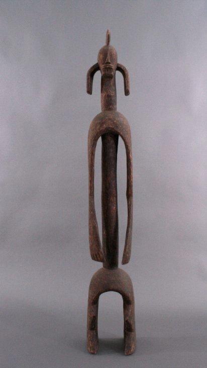 Große Figur der Mumuye, Nordoste Nigeria, 1. Hälfte 20. Jh.