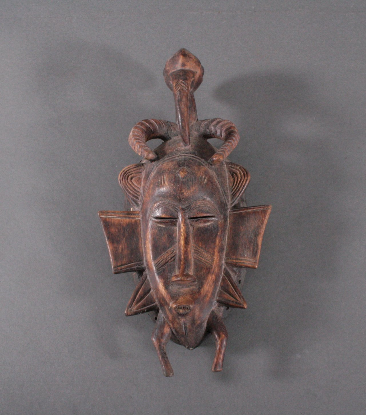 Maske der Senufo, Elfenbeinküste 1. Hälfte 20. Jh.
