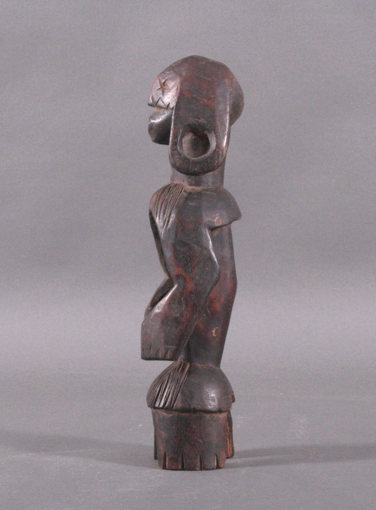 Kleine Figur der Mumuye, Nigeria, 1. Hälfte 20. Jh.-3