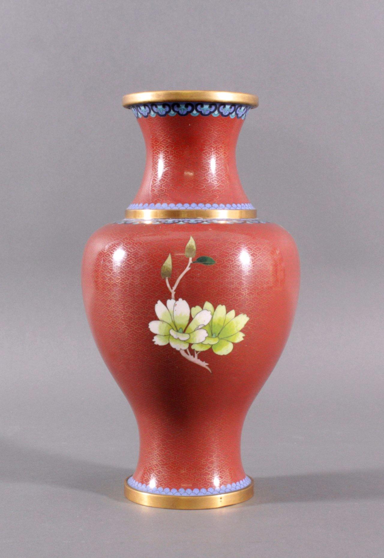 gro e cloisonne vase badisches auktionshaus. Black Bedroom Furniture Sets. Home Design Ideas