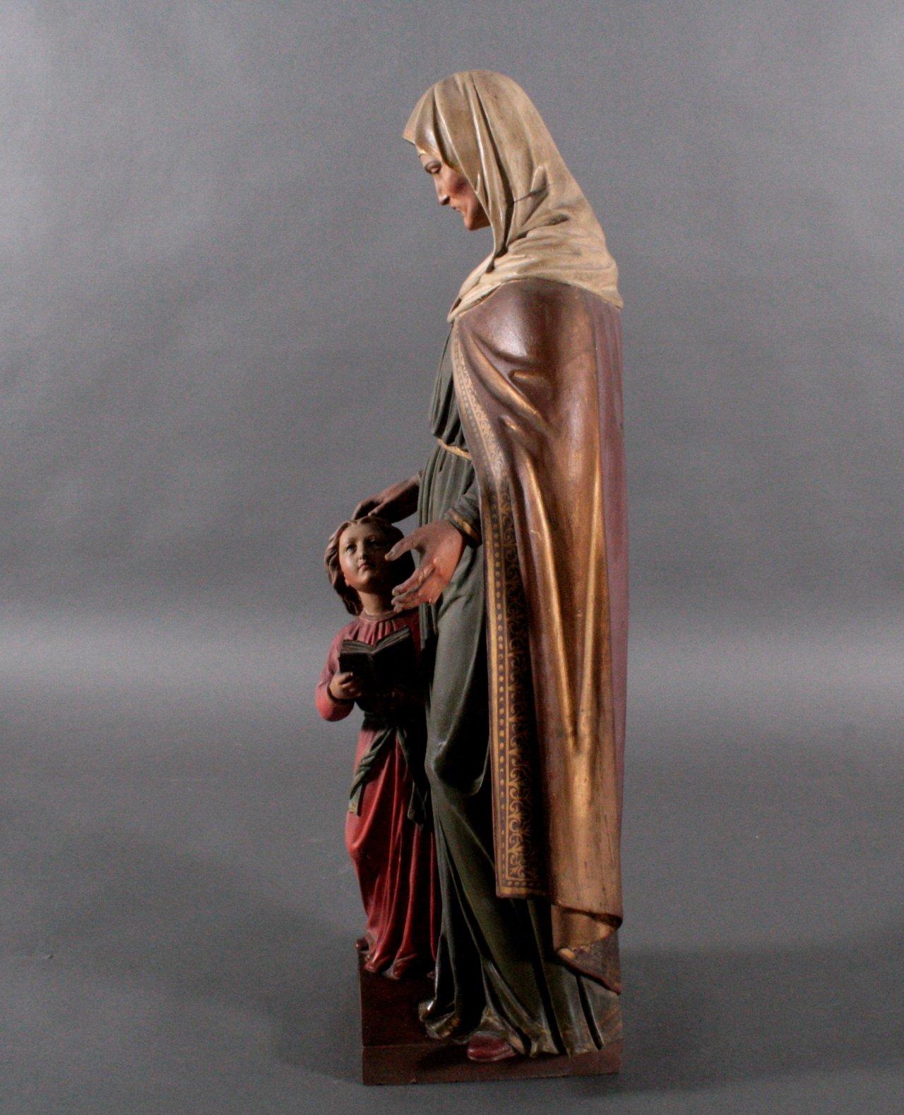 Große Holzskulptur 'Ordensschwester mit Kind'-1