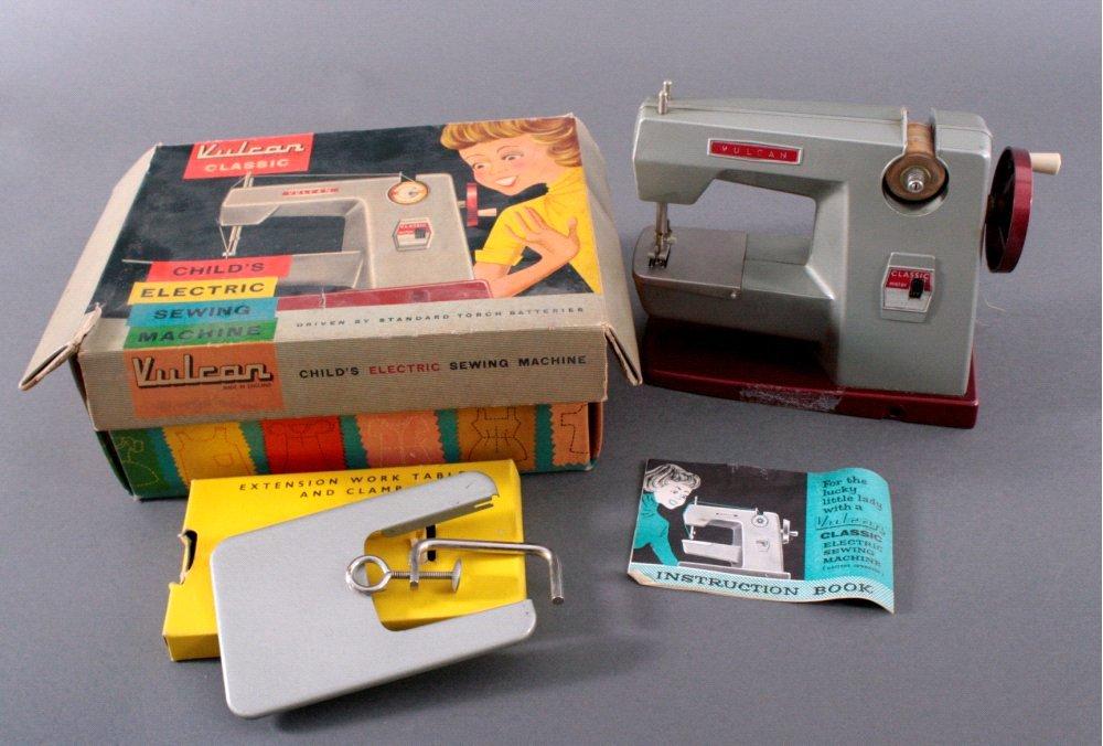 Kindernähmaschine aus den 50/60er Jahren