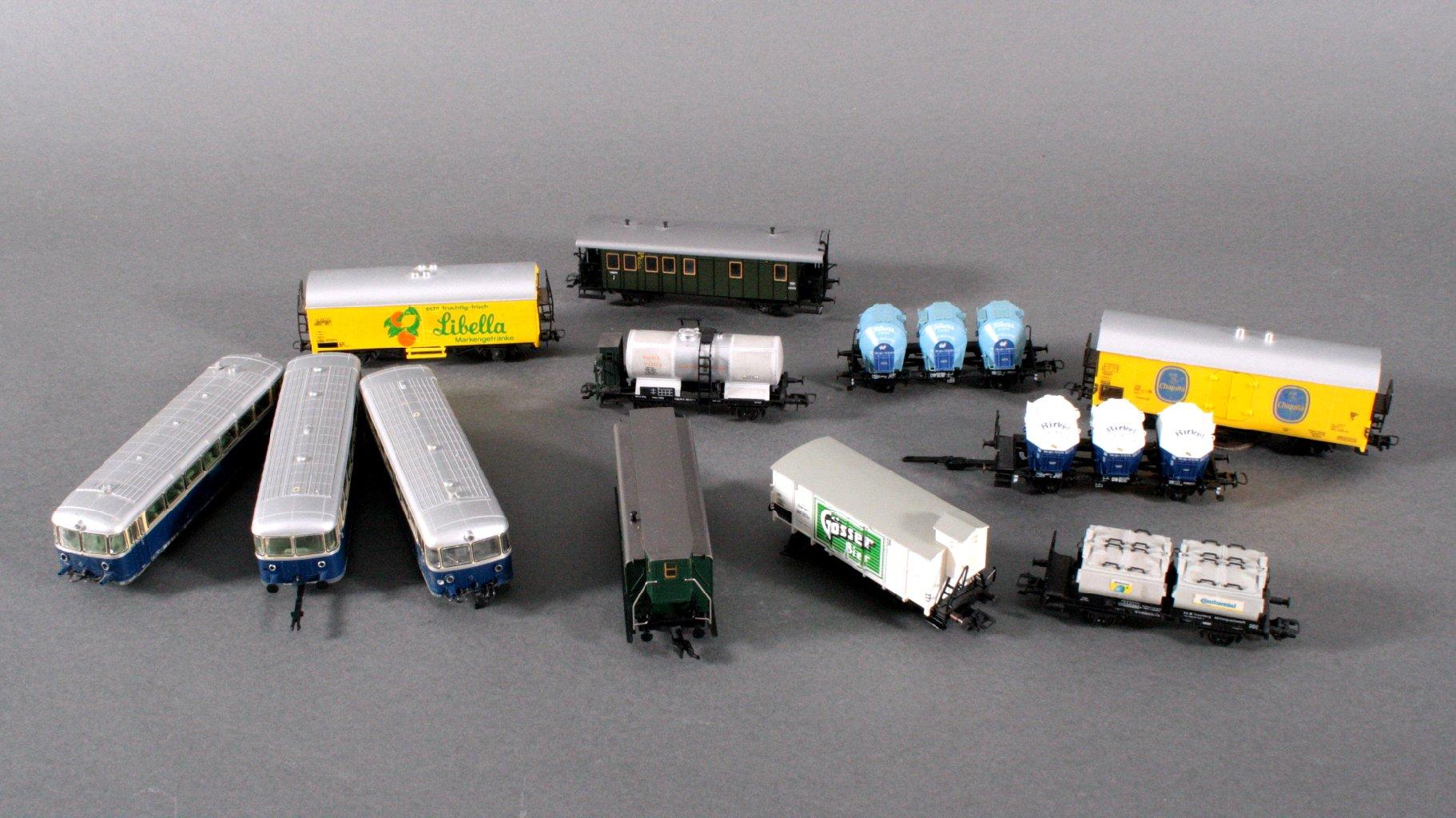 Konvolut Eisenbahn Wagons, H0