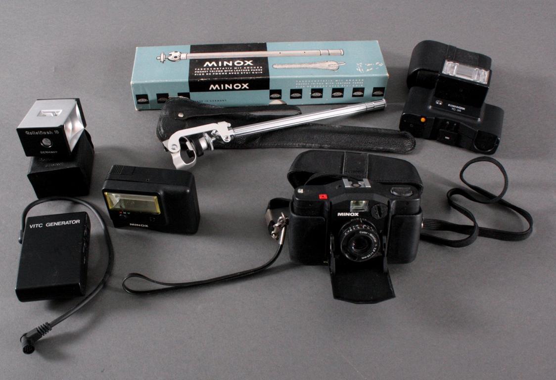 Minoxkamera mit Zubehör