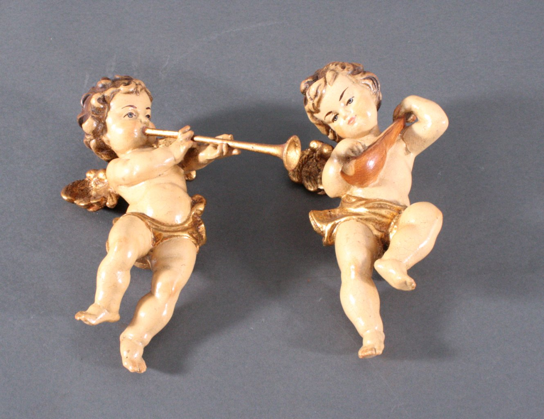 2 musizierende Putti