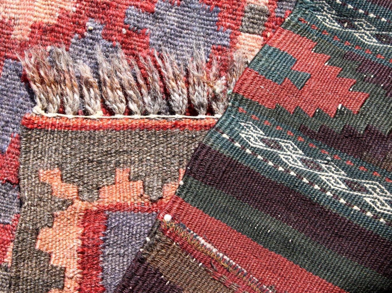 2 Antike Orientteppiche, dabei auch Kelim-1