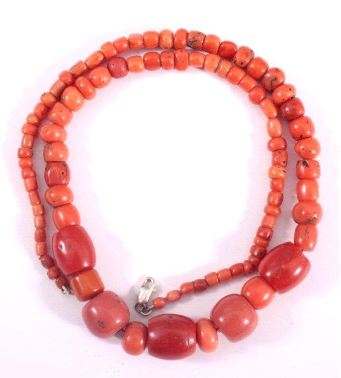 Halskette aus roter Koralle, Tibet um 1900