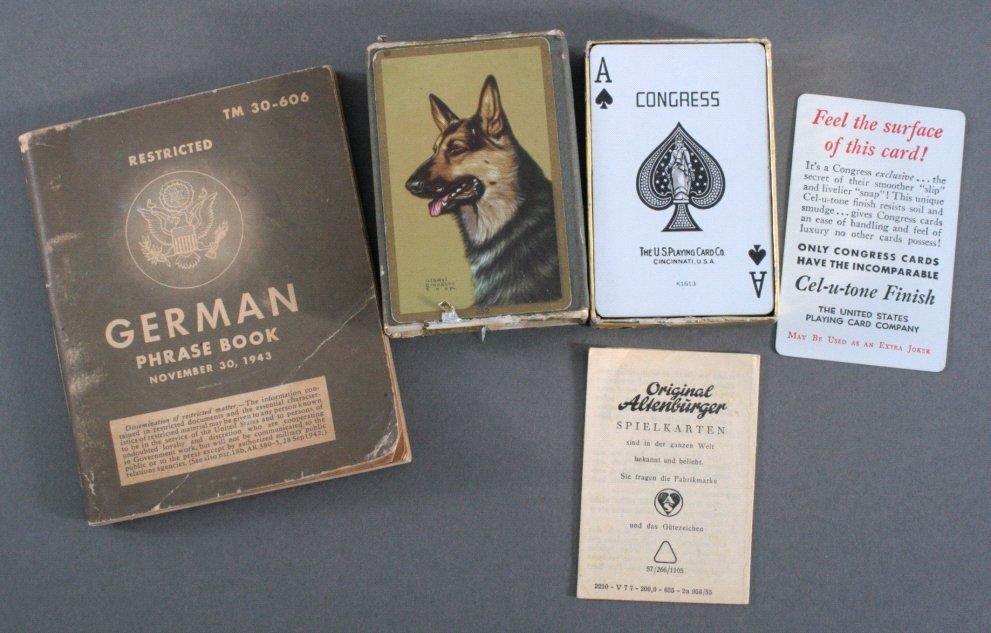 II. Weltkrieg, US Soldaten-Taschenbuch und Kartenspiel
