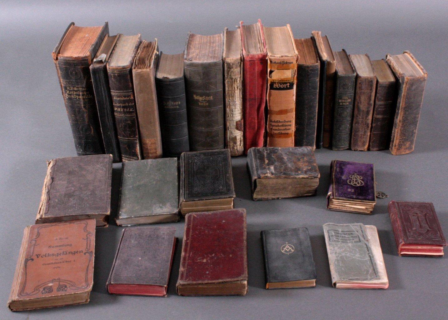 Konvolut Bücher, 27 Stück