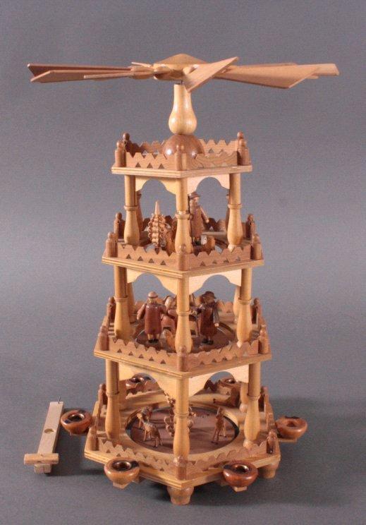 Handwerkskunst aus dem Erzgebirge, Weihnachtspyramide