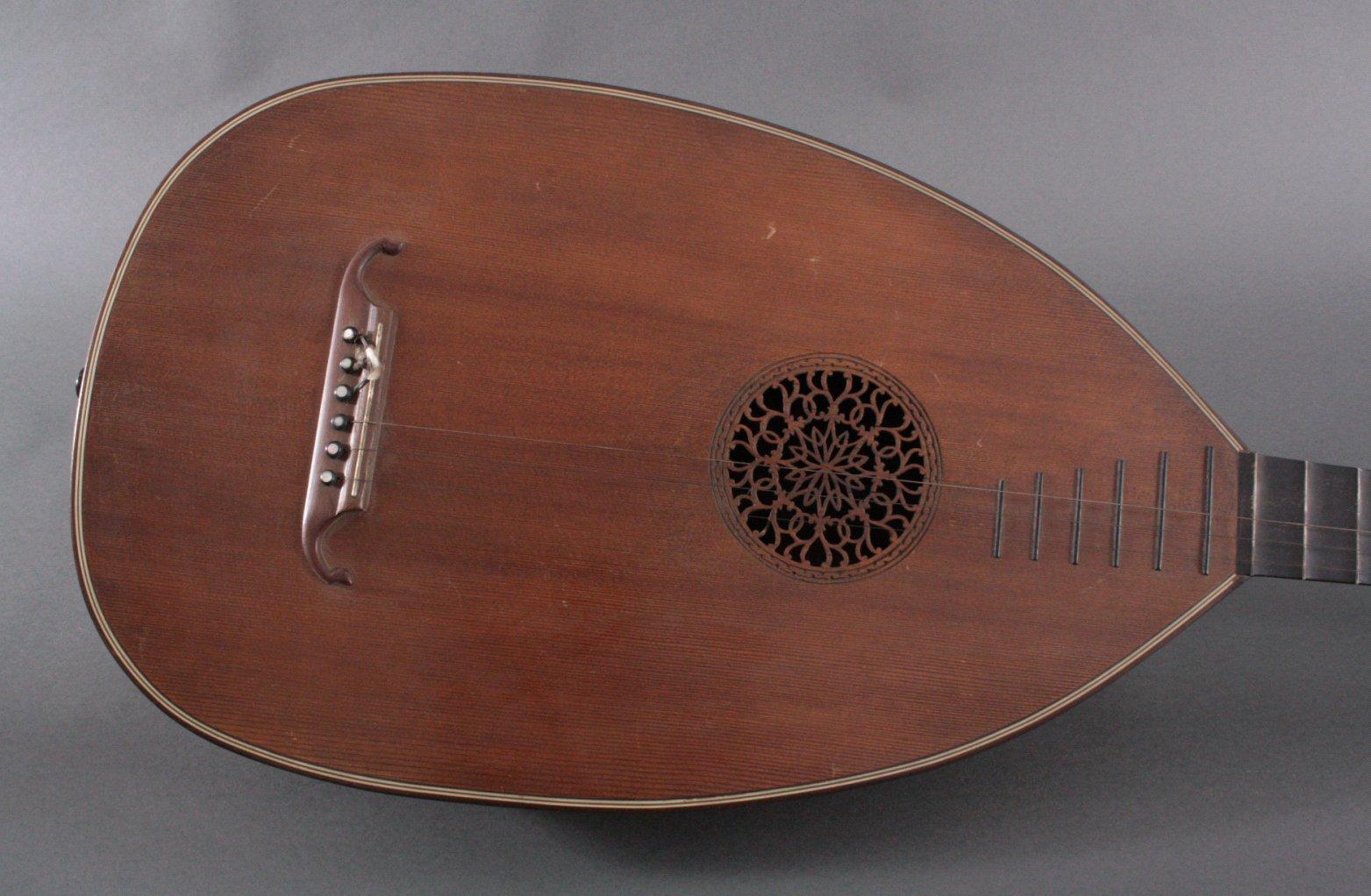 Laute um 1900-1