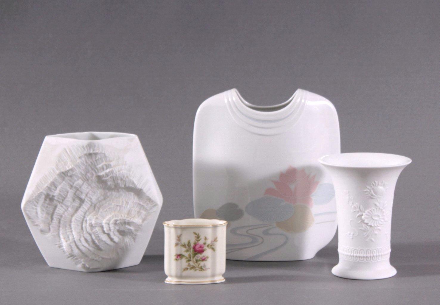 4 Porzellan Vasen
