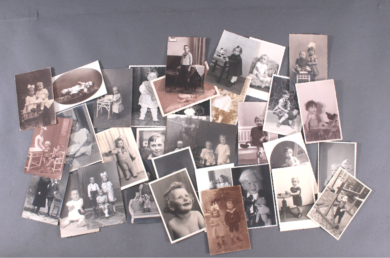 ANSICHTSKARTEN – MOTIV KINDER, alle Karten vor 1945