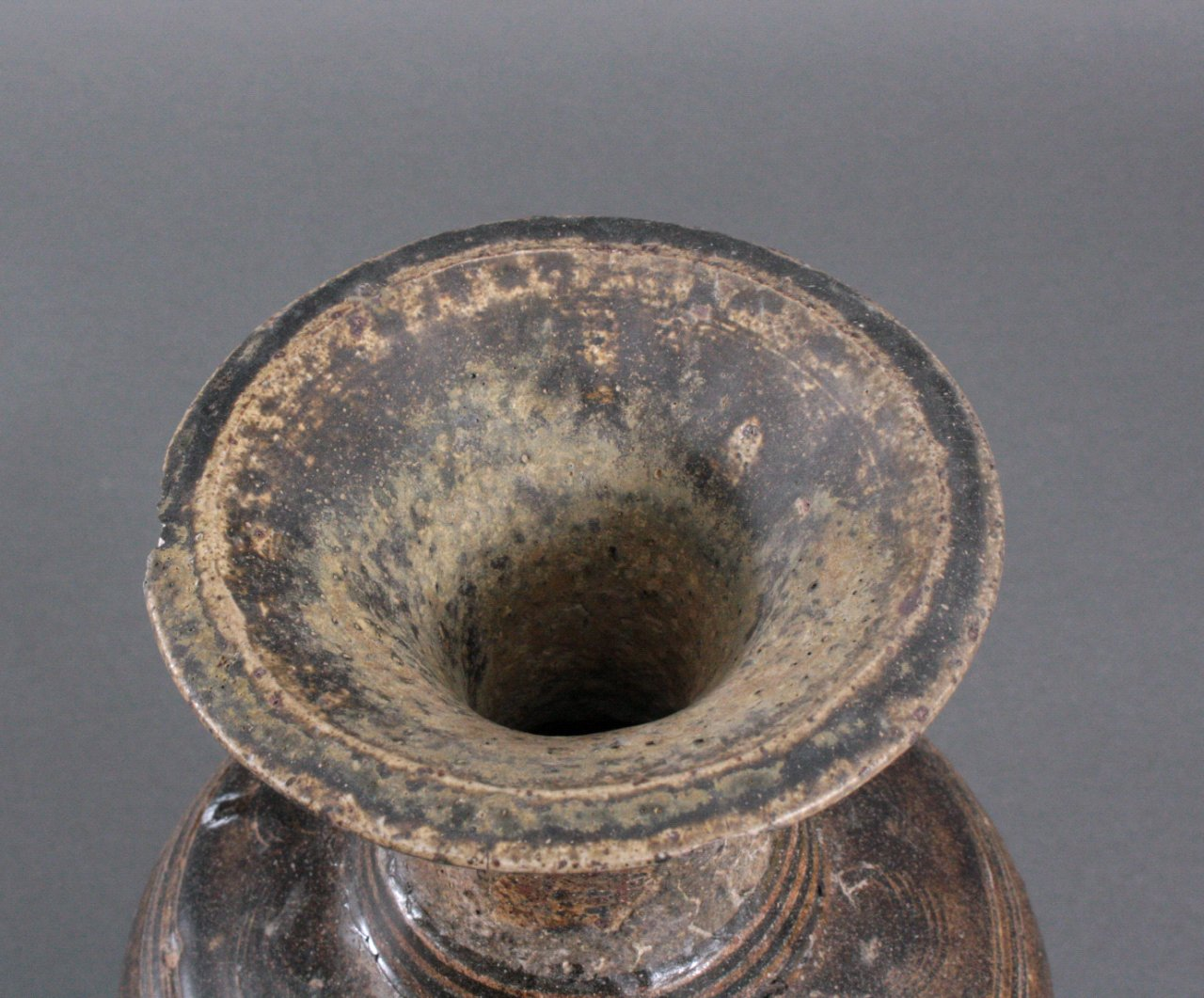 Balustervase, Angkor-Periode 12./13. Jh.-4