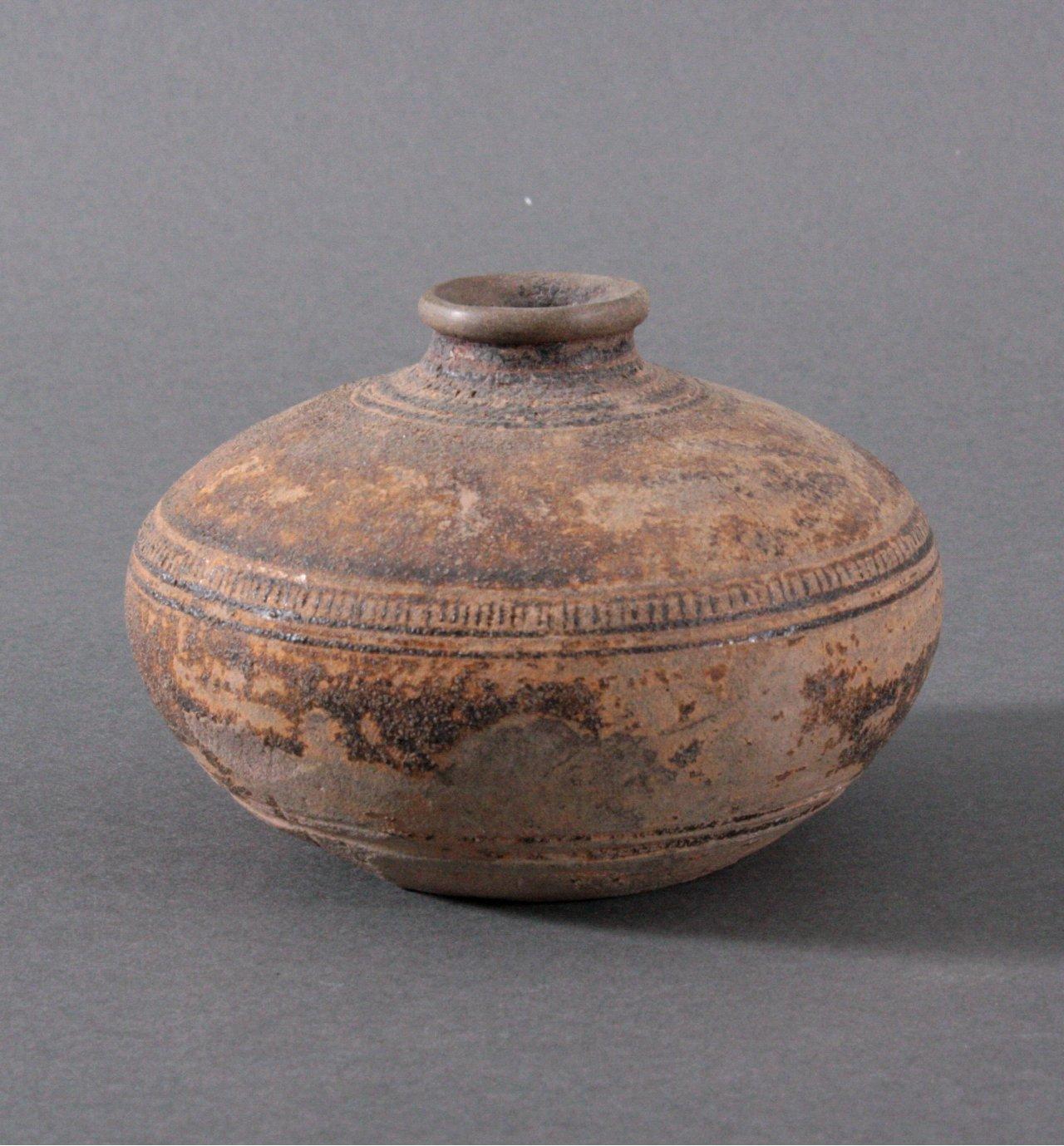 Kleines Vorratsgefäß, Angkor-Periode 12./13. Jh.-1