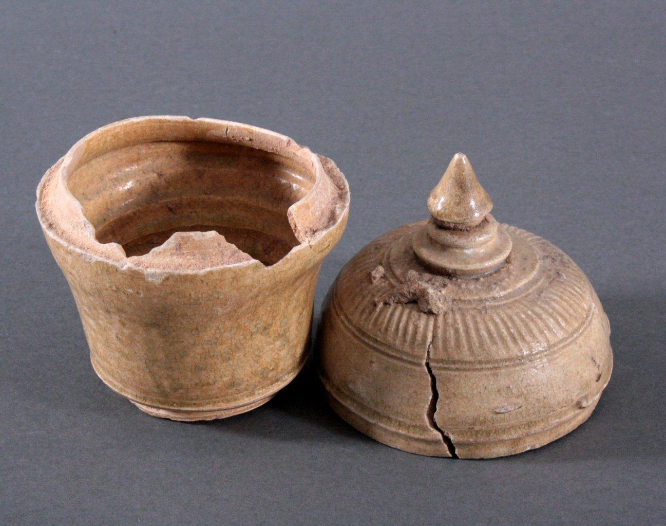 Rundes Deckelgefäß, Angkor-Periode 12./13. Jh.-1