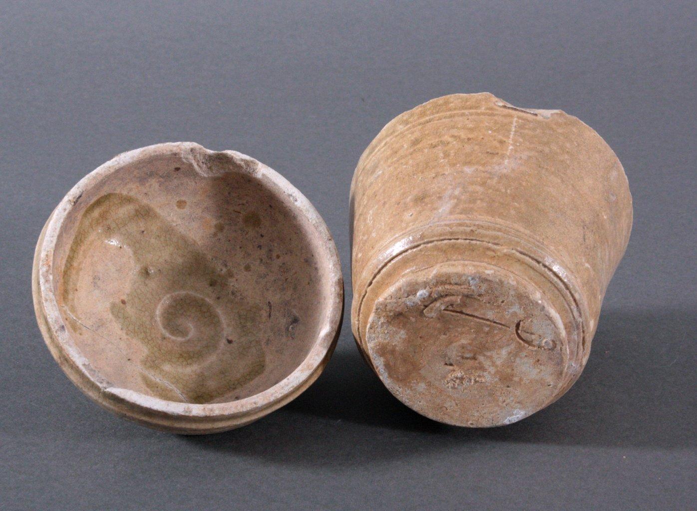 Rundes Deckelgefäß, Angkor-Periode 12./13. Jh.-2