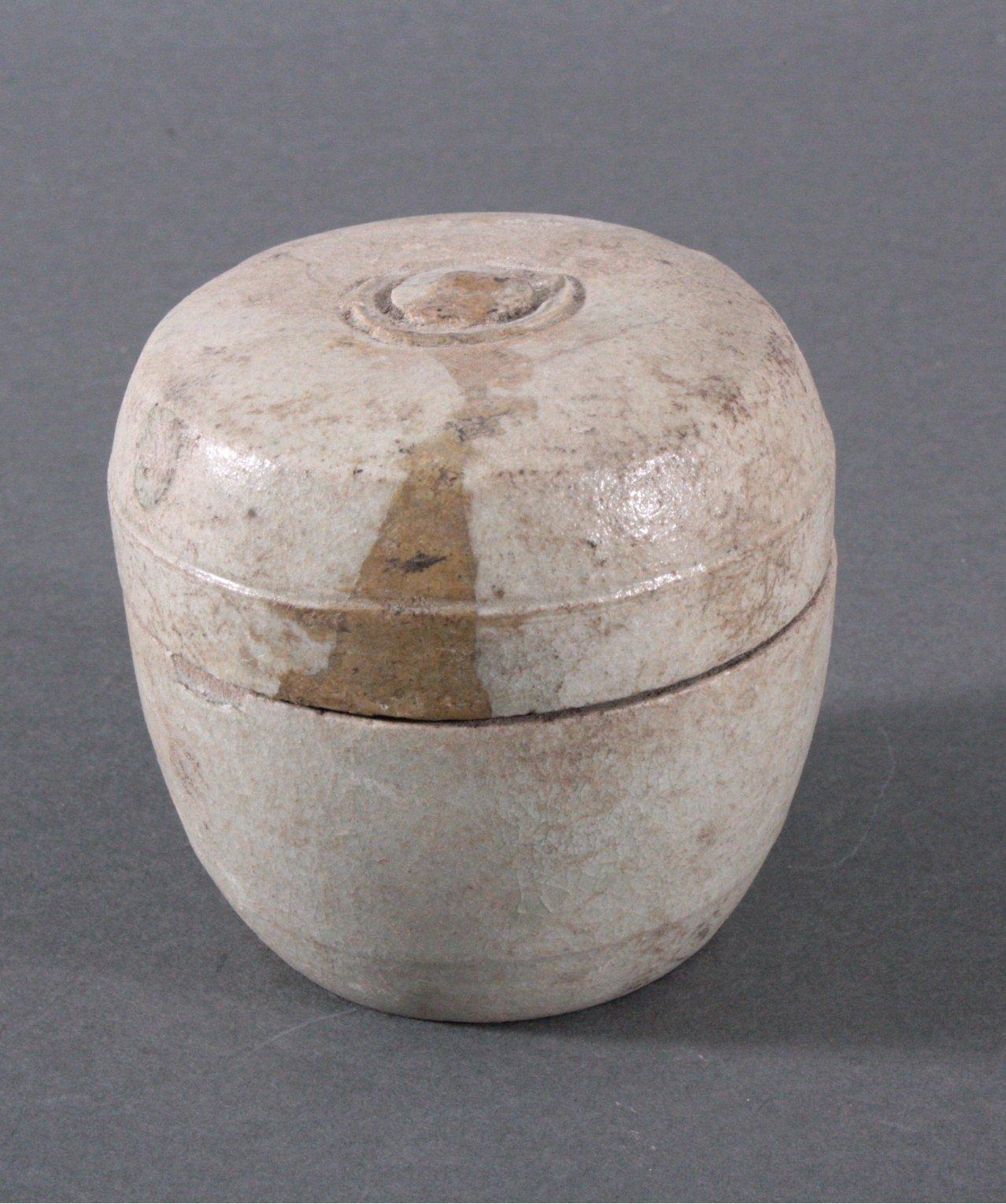 Rundes Deckelgefäß, Angkor-Periode 12./13. Jh.