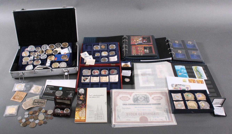 Große Schatzkiste Münzen, Medaillen und Briefmarken