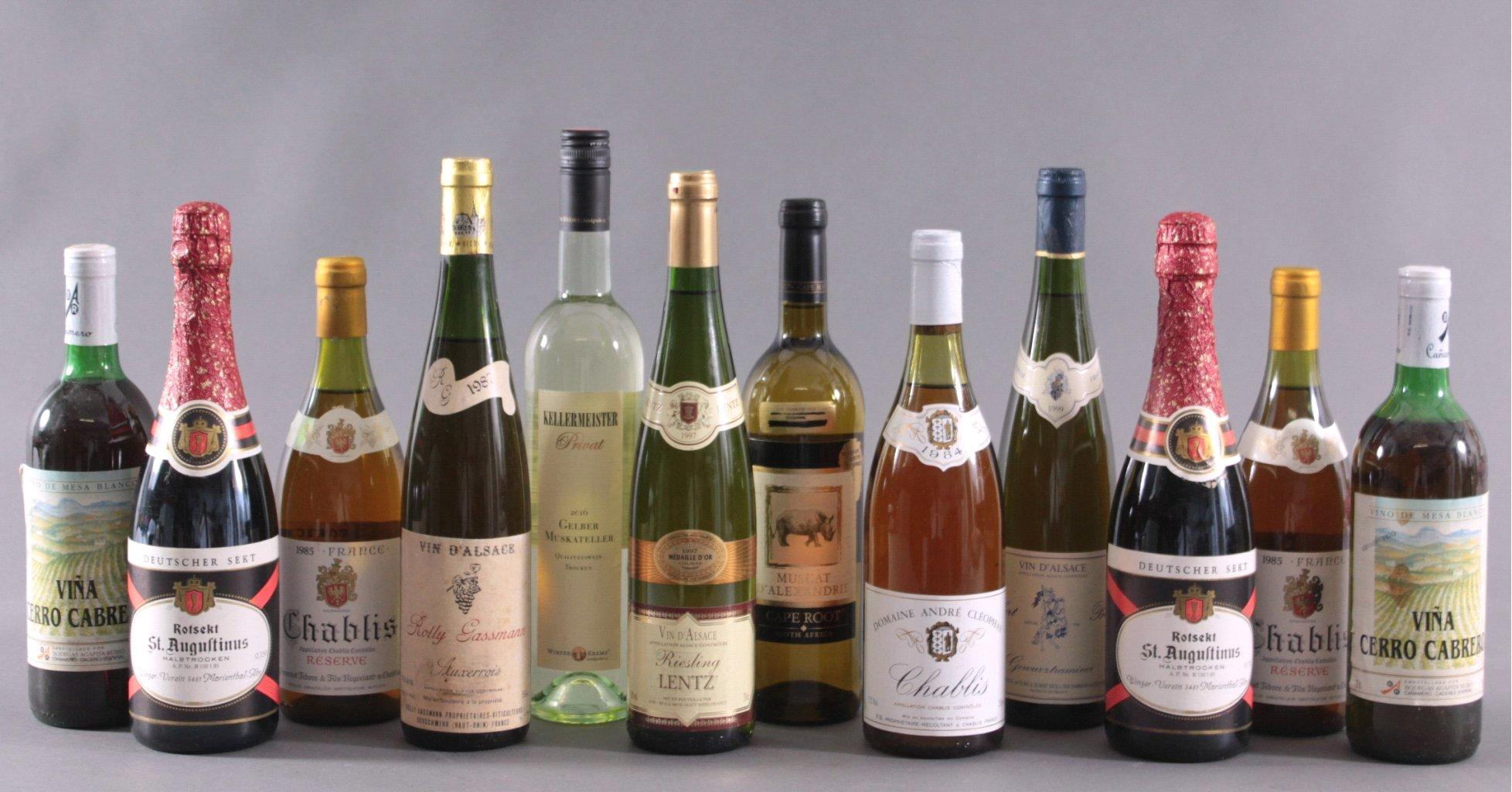 10 Flaschen Wein und 2 Flaschen Sekt