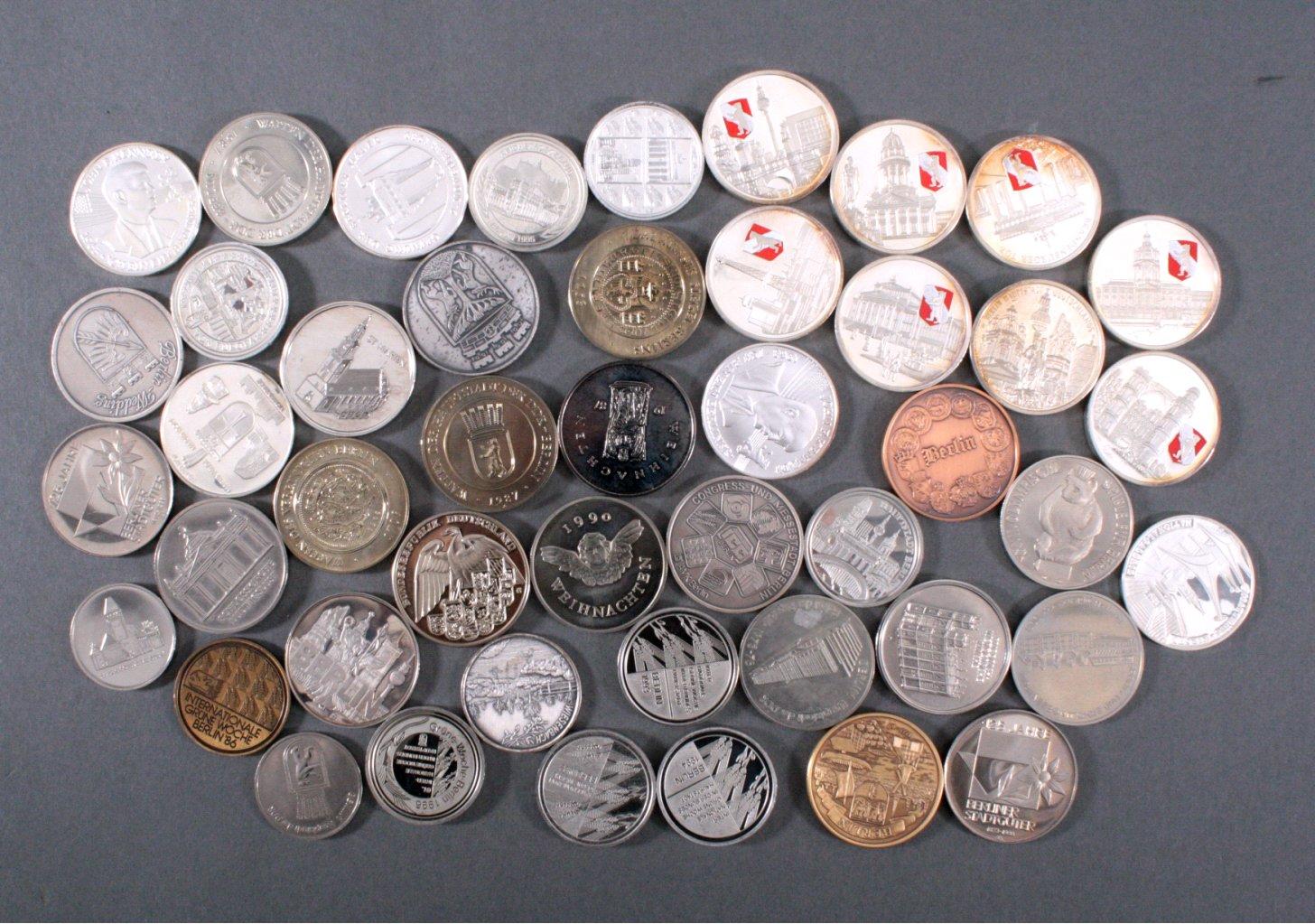 Konvolut Münzen und Medaillen, Thema Berlin