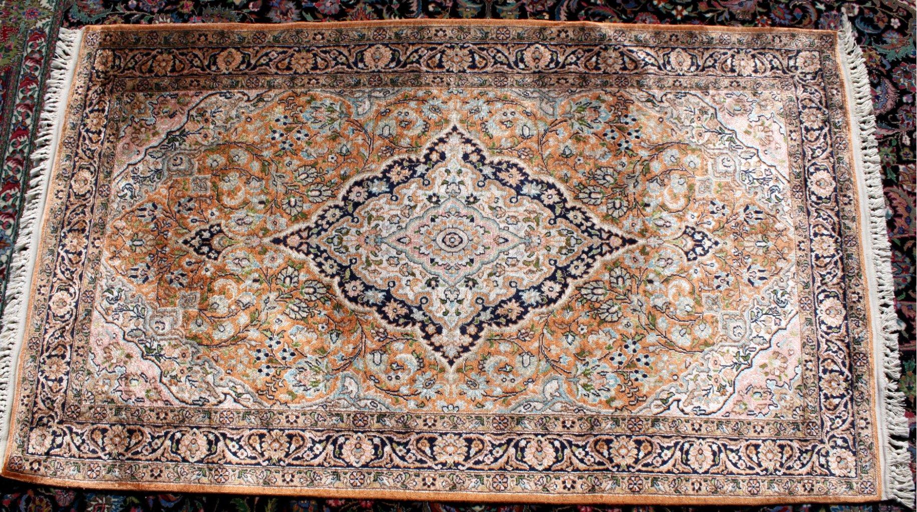 Orientteppich, Kaschmirseide