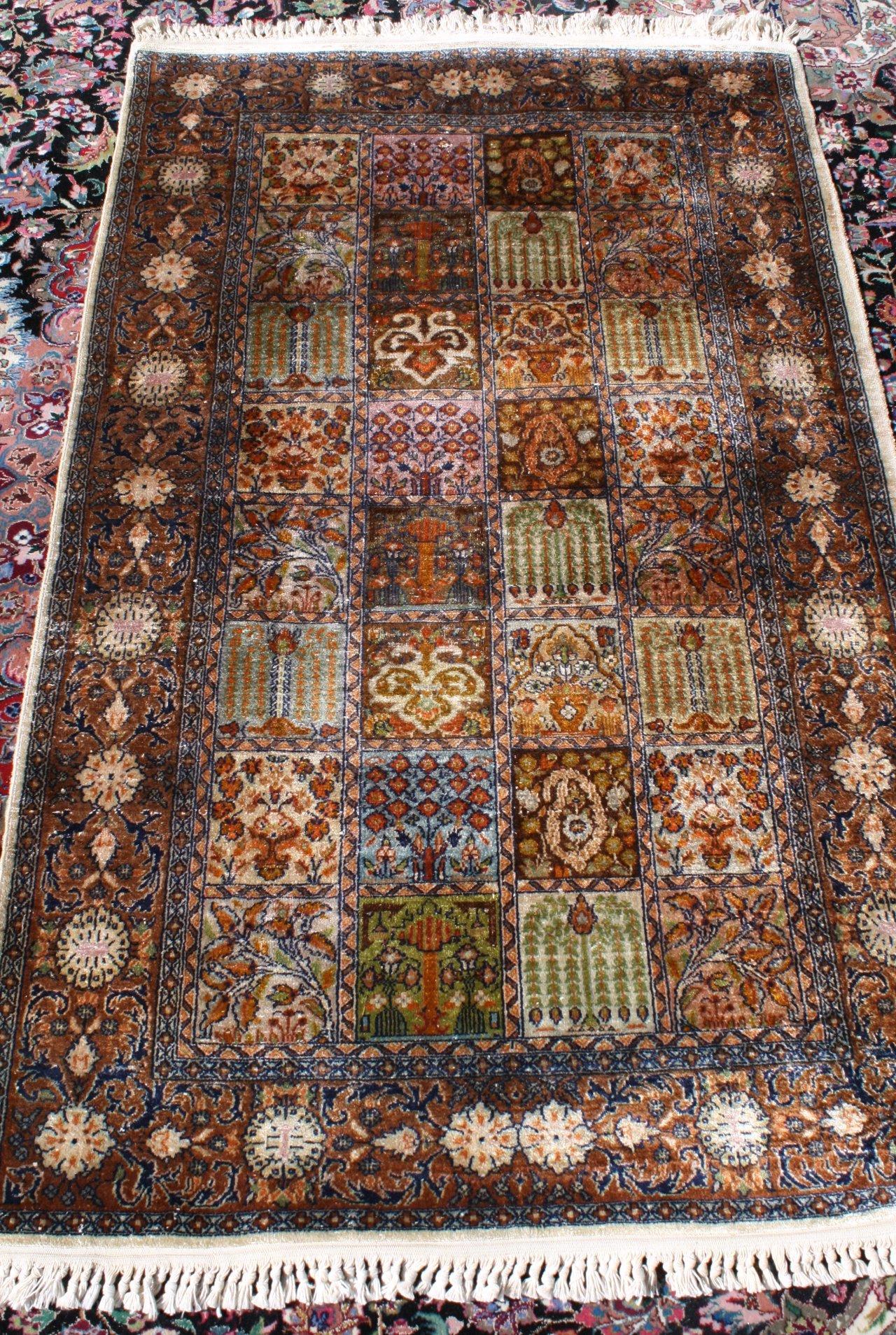Orientteppich, Kaschmirseide-1