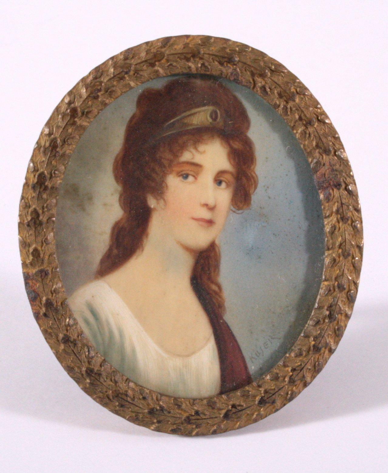 Elfenbeinminiatur, Portrait einer jungen Frau nach rechts