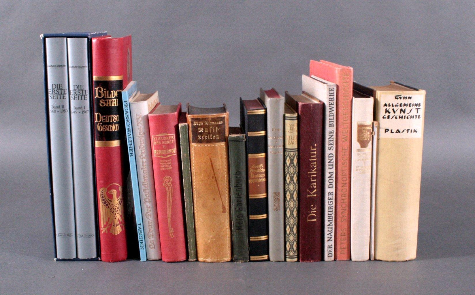 15 Bücher. Thema hauptsächlich Kunst