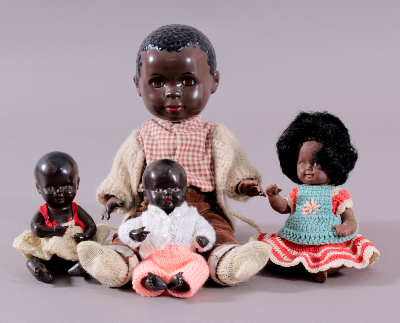 4 farbige Schildkröt Puppen