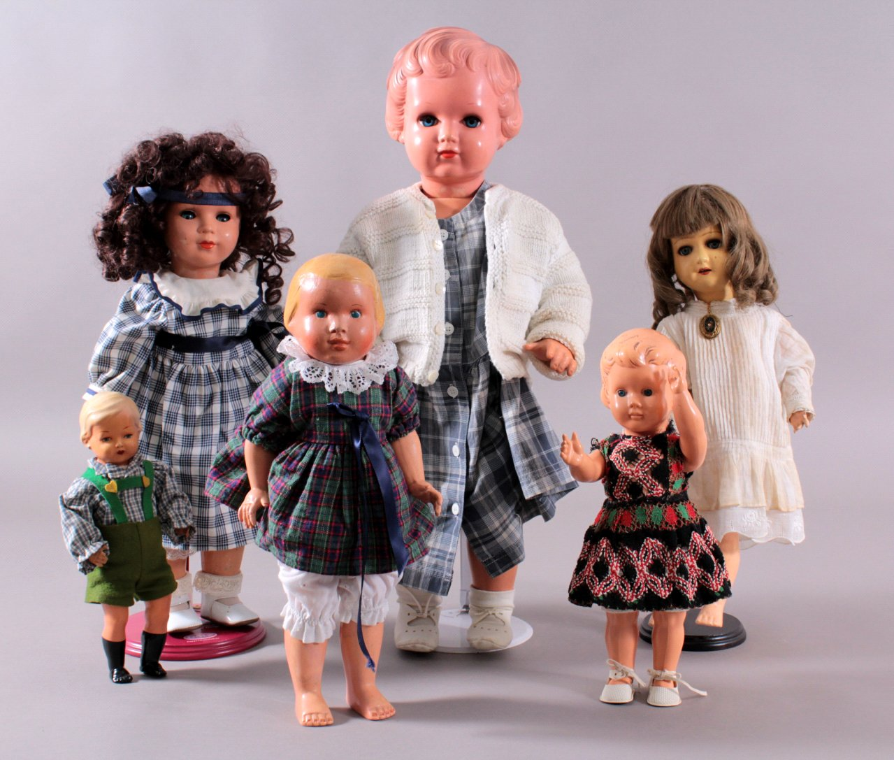 6 Puppen
