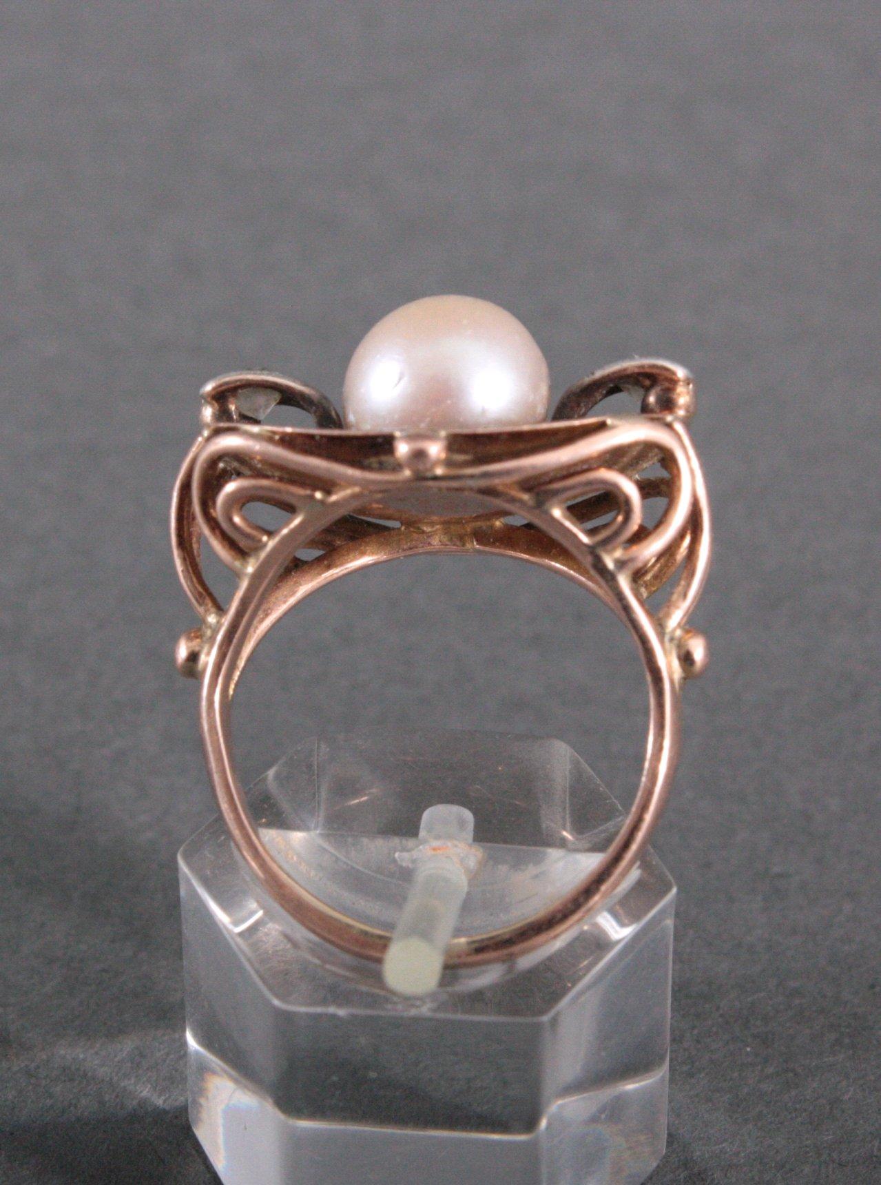 Damenring mit Perle und 2 Diamanten-1