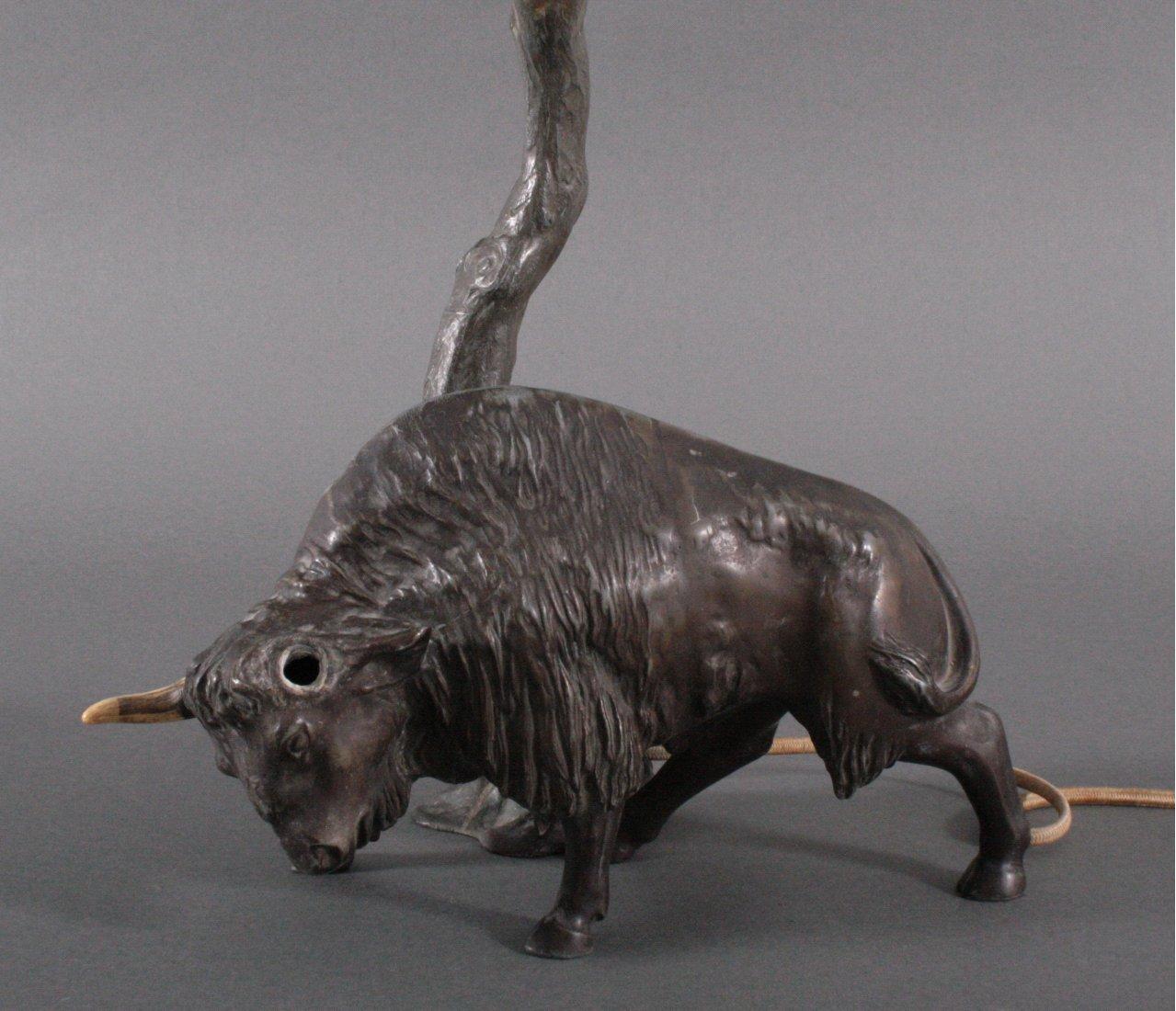 Figürliche Tischlampe um 1900, Wasserbüffel-1