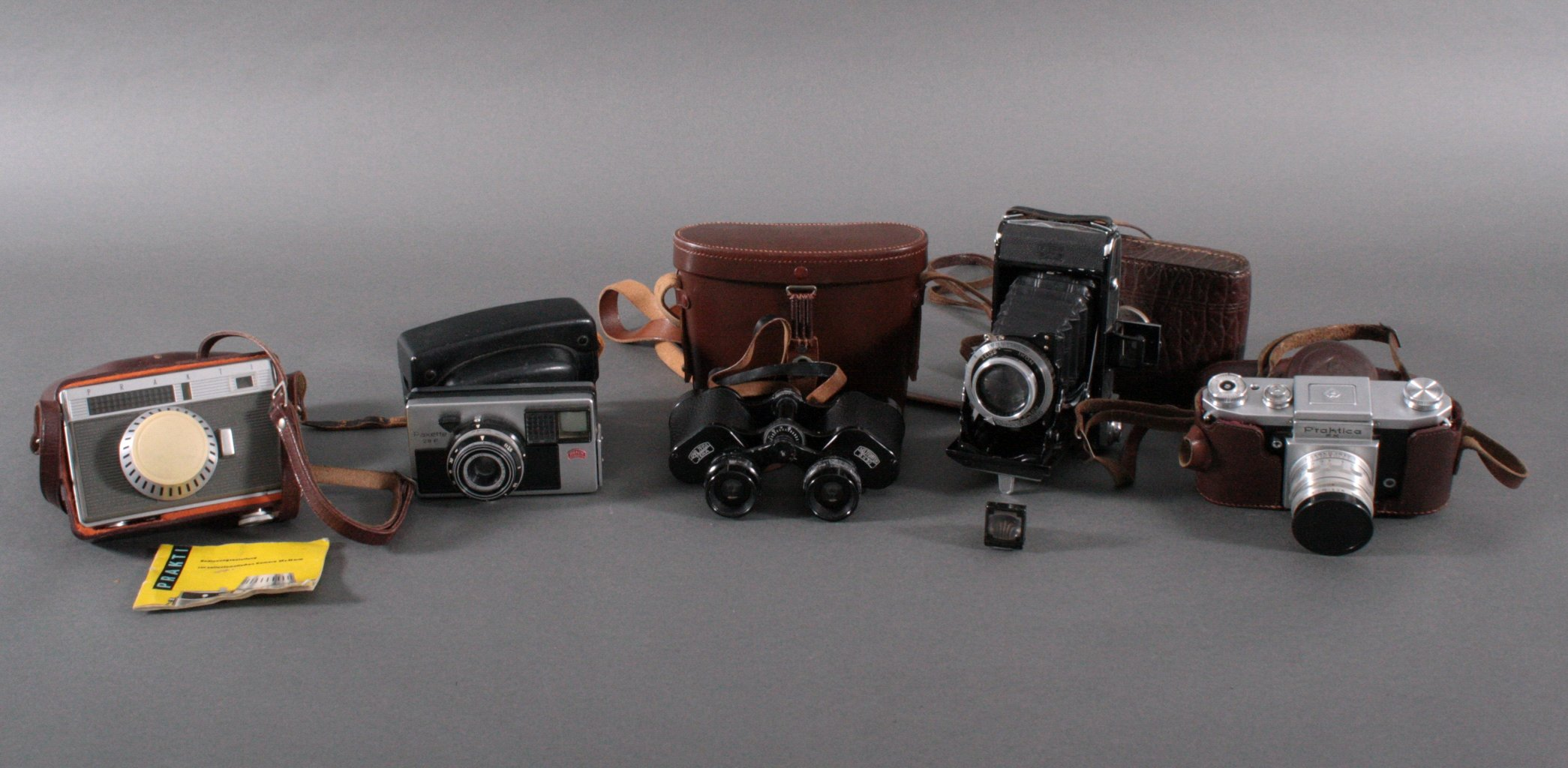 Konvolut Fotoapparate und Fernglas