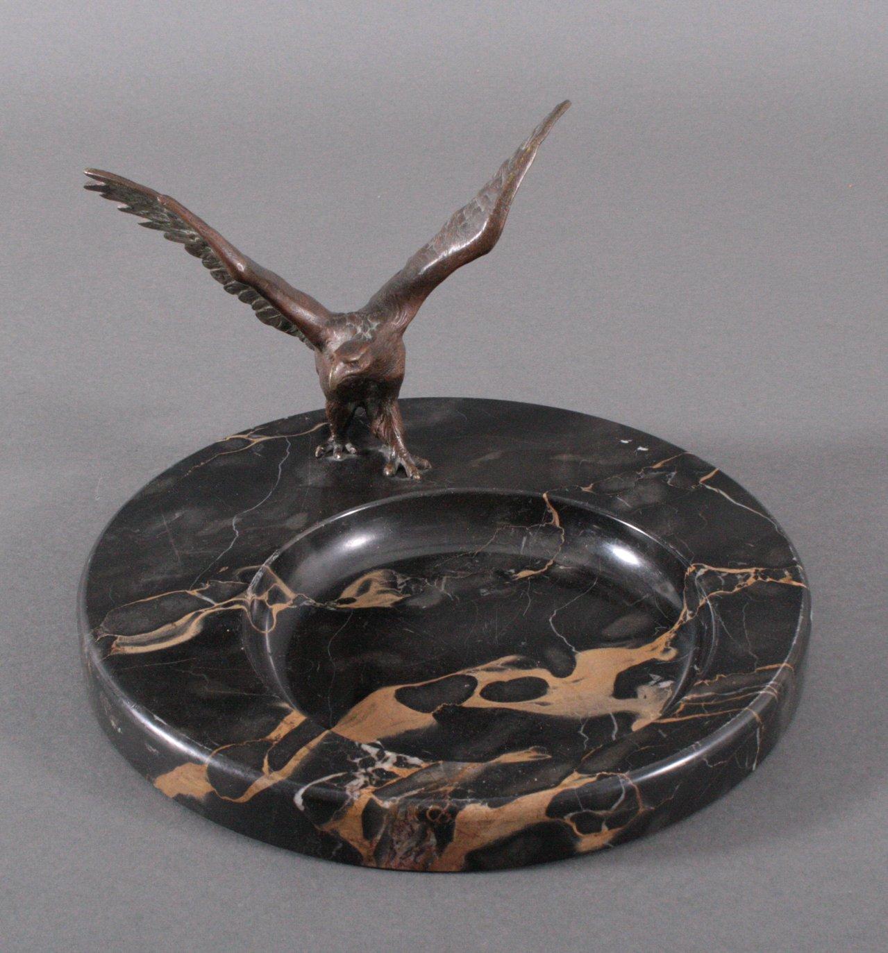 Schreibtischgarnitur mit Bronzeadler, Art Deco