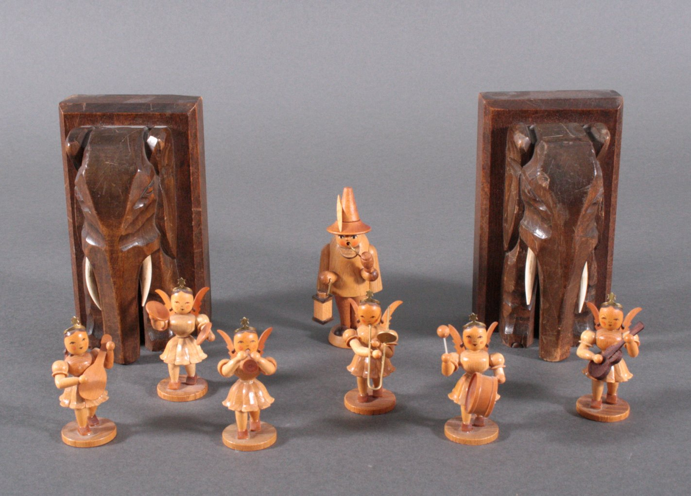 9 Teile Dekorationsgegenstände aus Holz