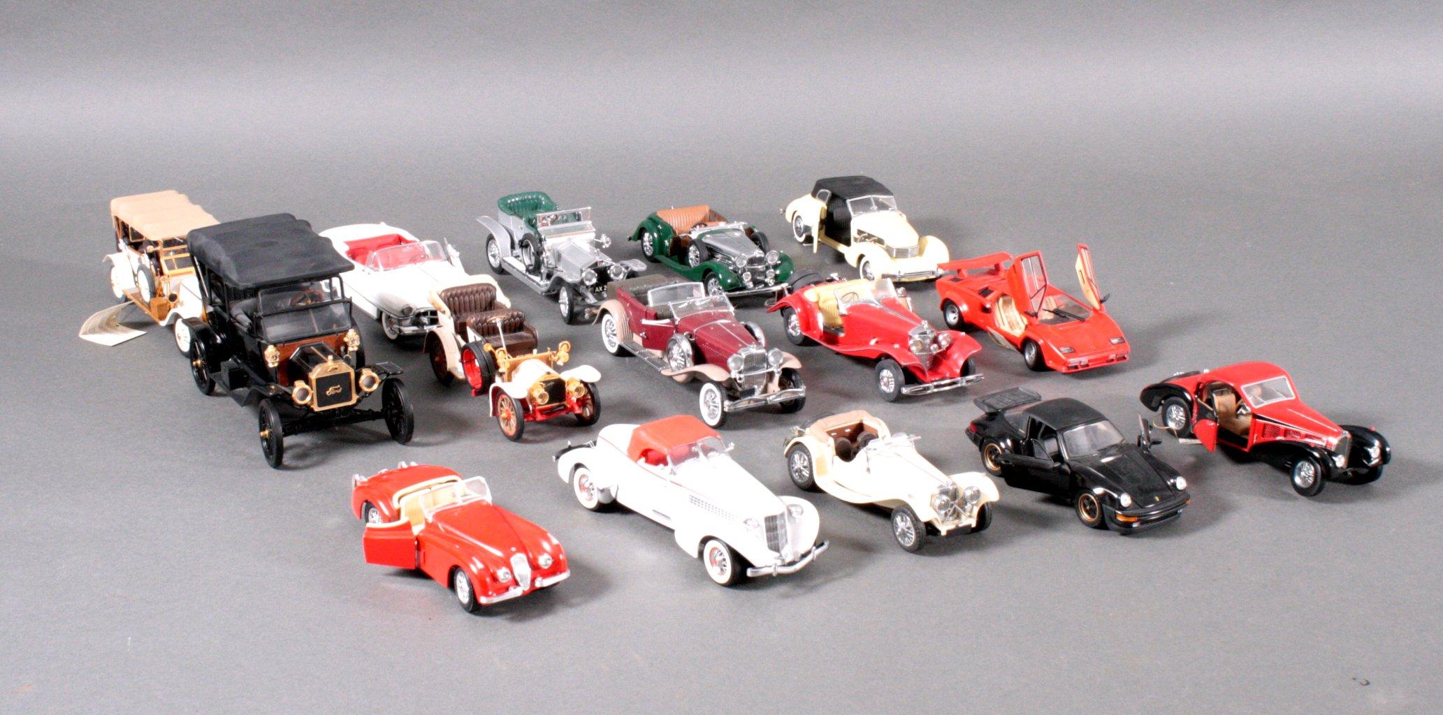 Sammlung Modellautos 1:24
