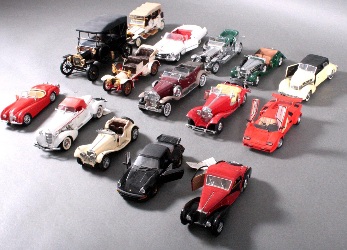Sammlung Modellautos 1:24-2