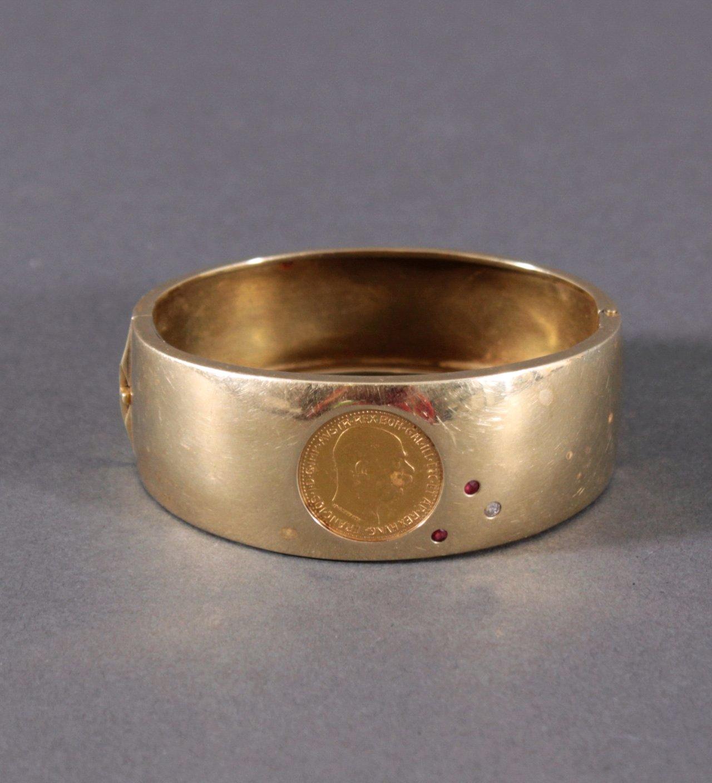 Damenarmband mit gefasster Münze, 2 Rubinen und 1 Diamant