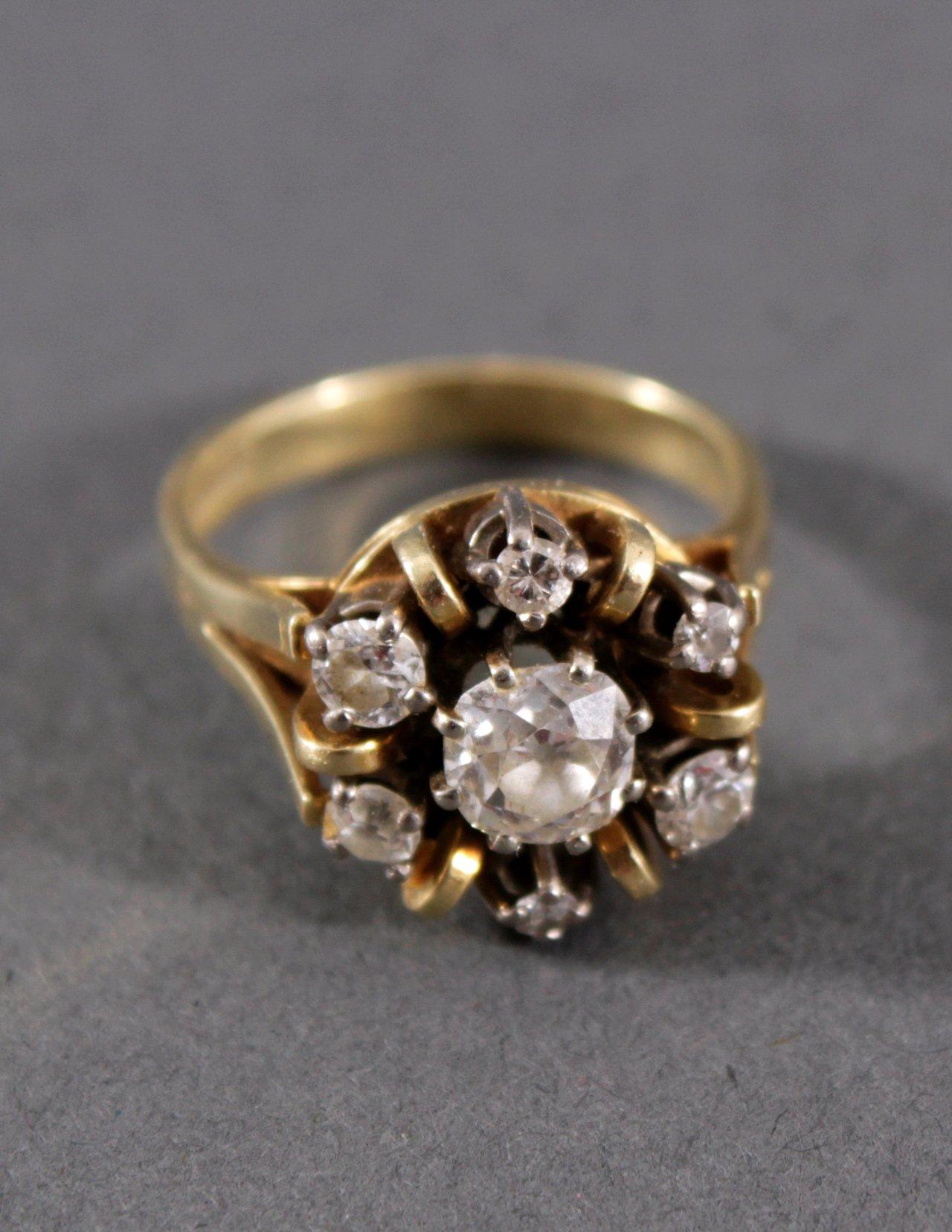Damenring mit Diamantbesatz