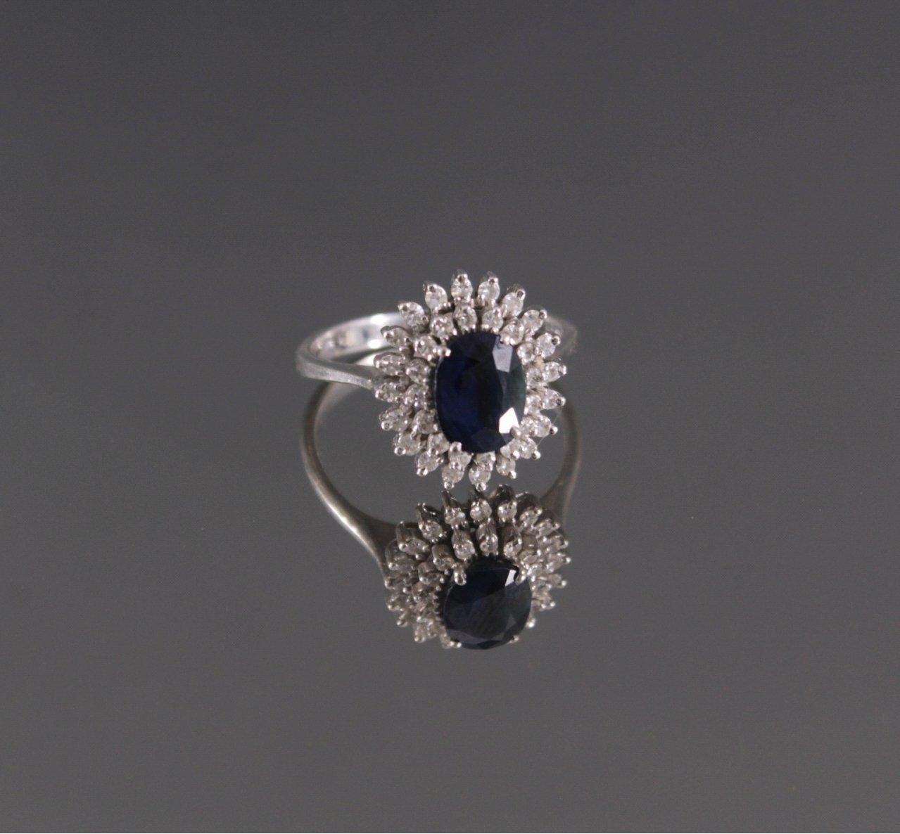 Damenring mit Saphir und 36 Diamanten