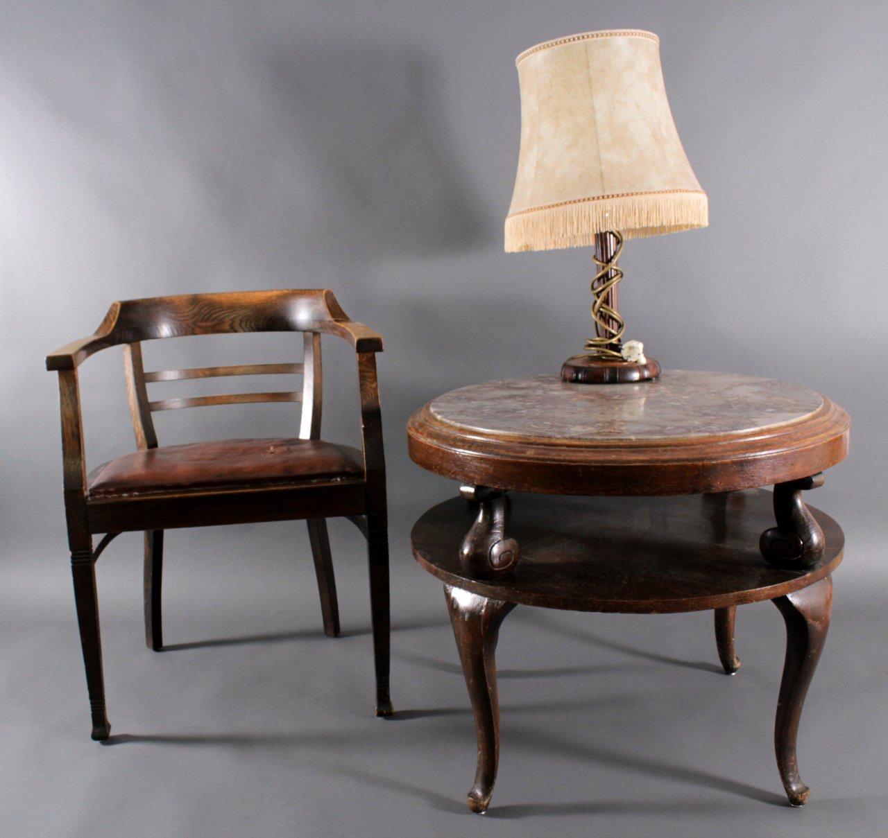 Tisch und Lampe, 30er Jahre