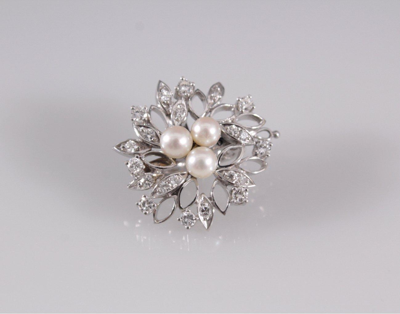 Brosche mit Perlen und Diamanten
