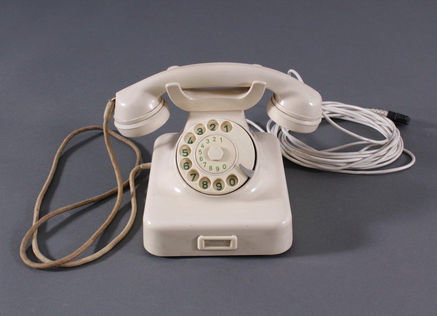 Telefon aus den 50er Jahren, W48 weiß