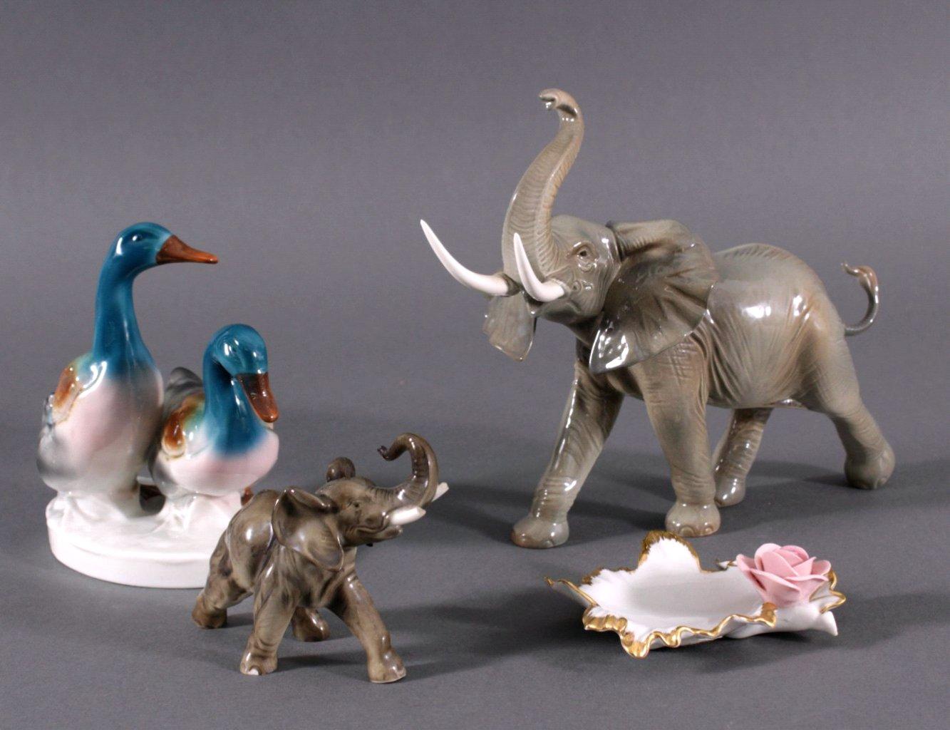 3 Skulpturen und 1 Anbietschale, Porzellan