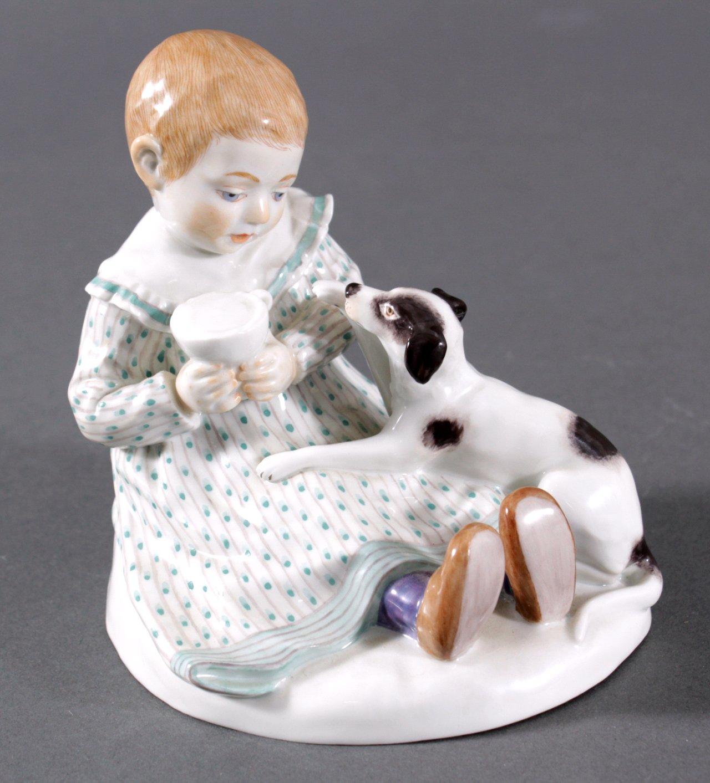 Meissen Figur, Kind mit Hund. Entwurf Paul Rumrich