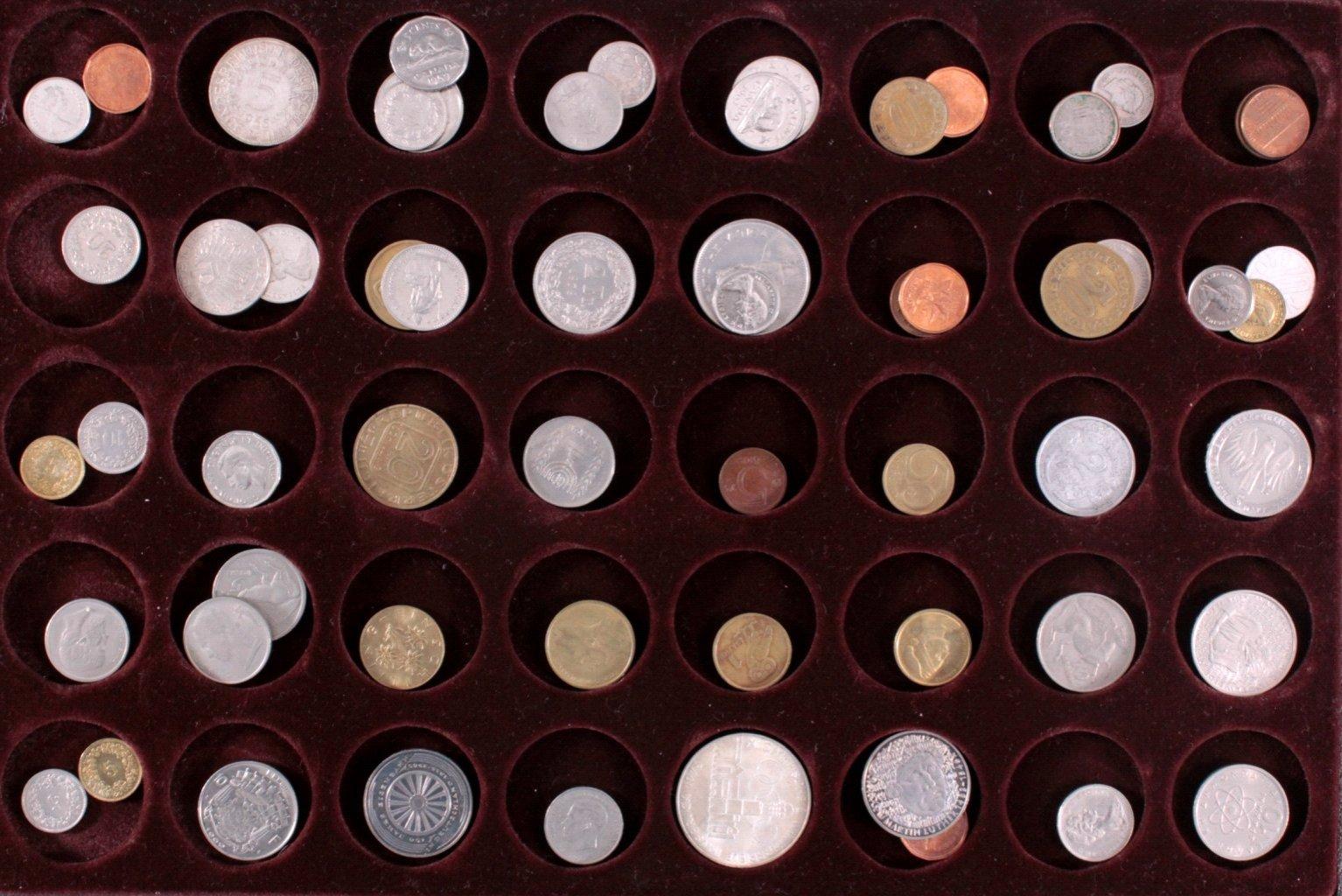 Kleine Münzsammlung Alle Welt in Münzschatulle
