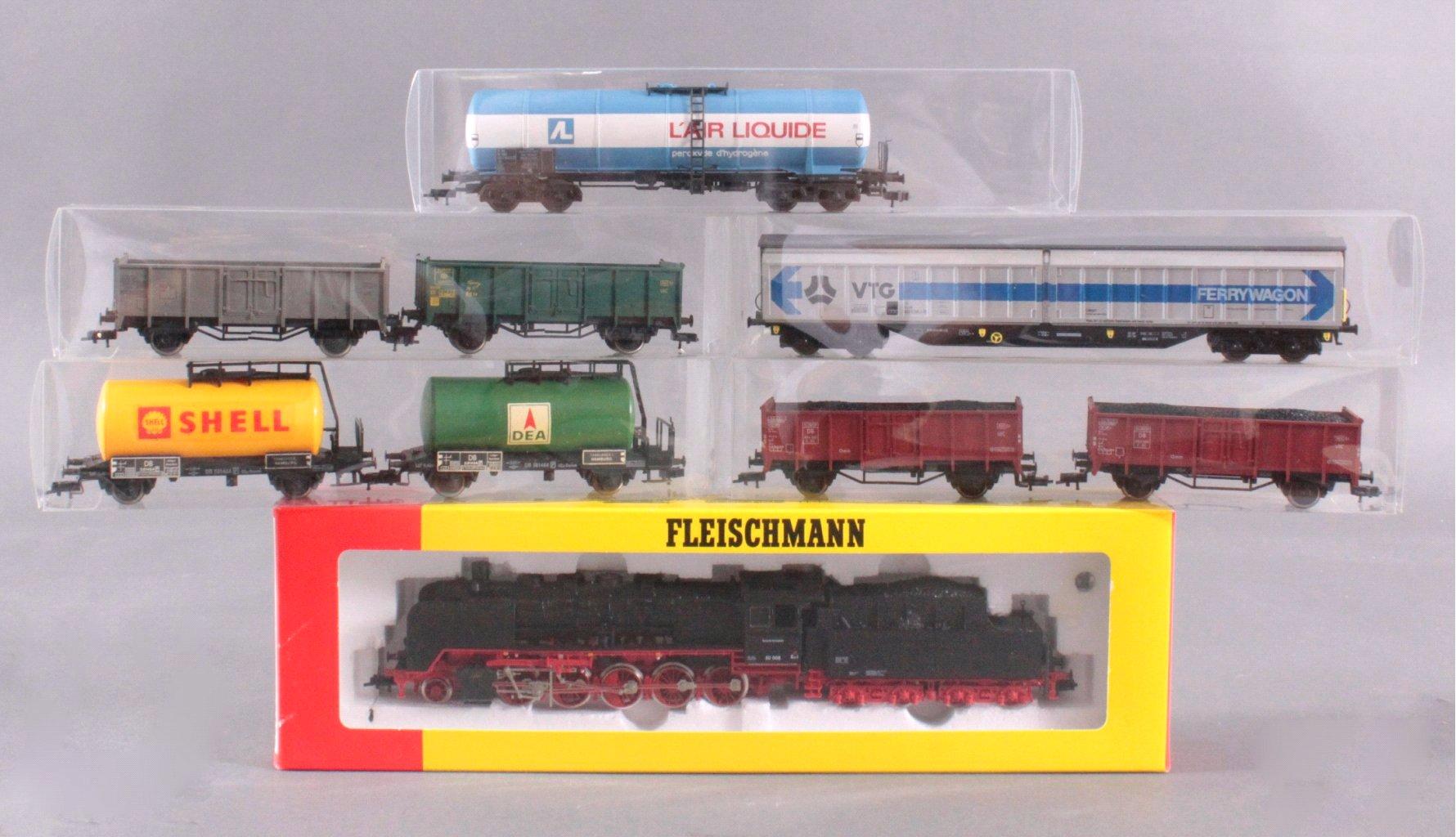 Fleischmann Dampflock mit 5 Waggons Spur H0
