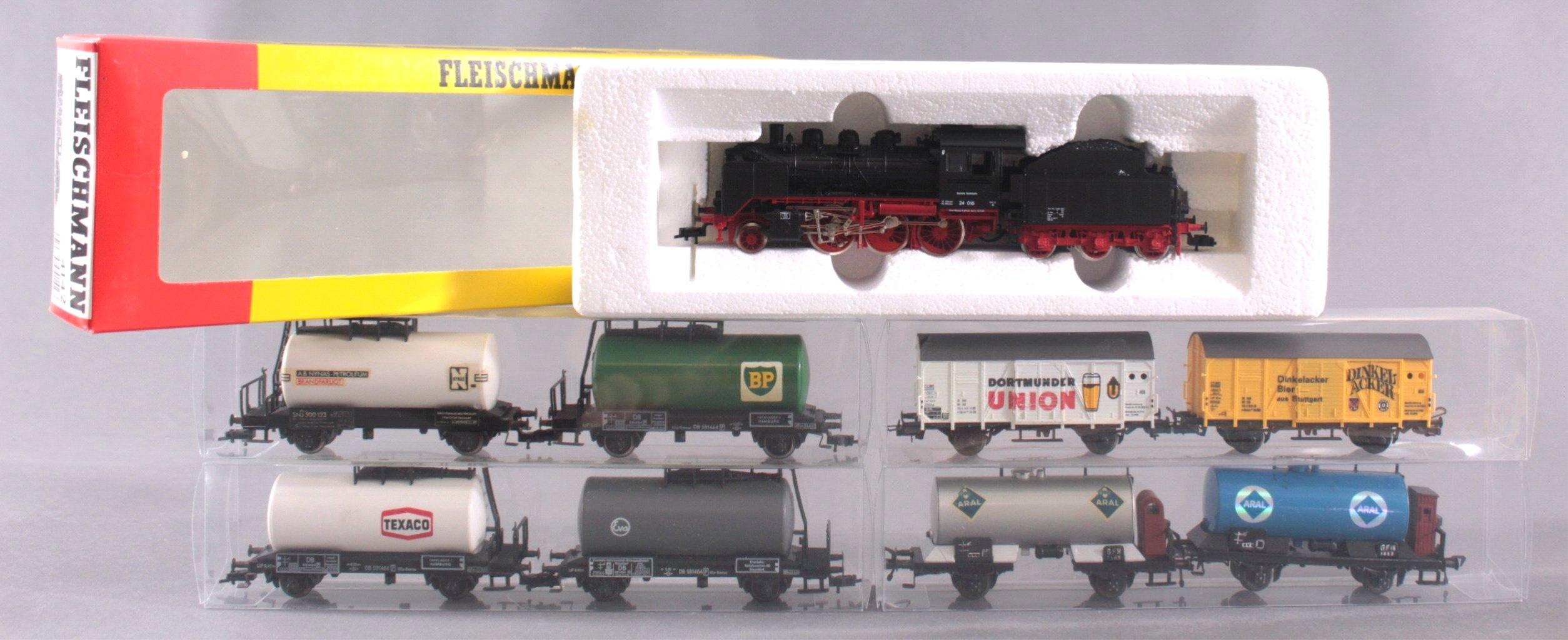 Fleischmann Dampflok 4142 Spur H0 mit Tender und 8 Waggons
